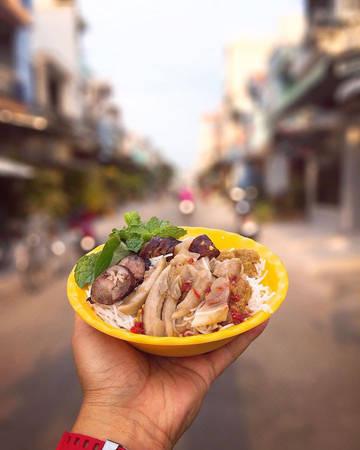 Ẩm thực Phan Thiết không thể không nhắc đến món bún mắm nêm.